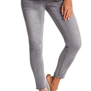 Seven7 High Rise Skinny Jeans Maternity Sz 6